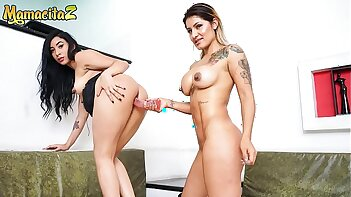 MAMACITAZ - Homemade Hot Lesbian Sex With Two Fiery Colombians - Anette Rios & Camila Santos