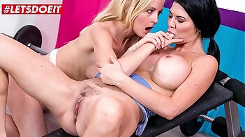 KINKY INLAWS - #Sicilia Model #Jasmine Jae - MILF Mom Lesbian Sex With Stepdaughter After Failed Strive From Her Husband